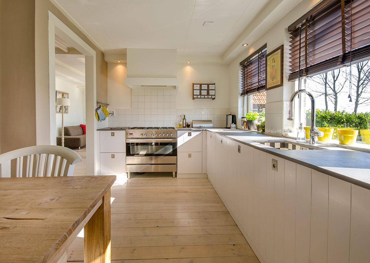 Arredamento: ecco come rinnovare una cucina bianca - Magica Arreda